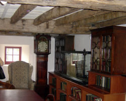 ulster-folk-and-transport-museum-inside-a-house-8390273